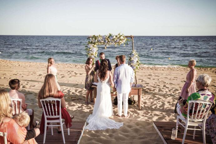 beach-wedding-in-italy