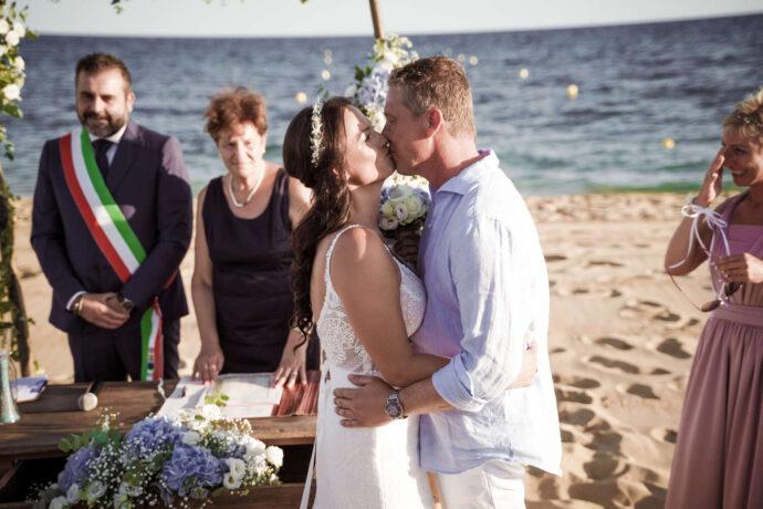beach-wedding-sorrento-italy