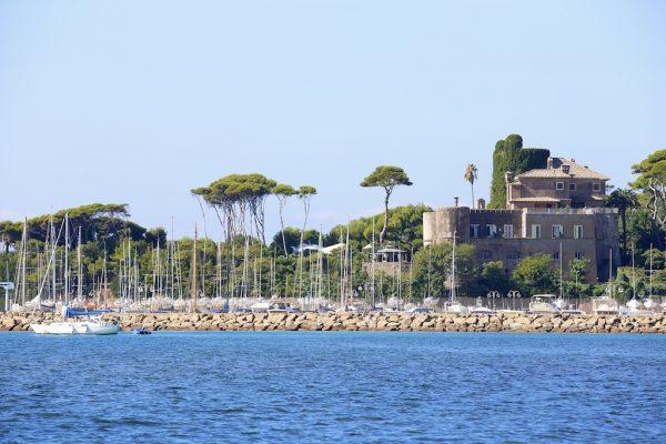 castle-overlooking-the-sea