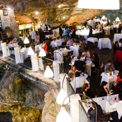 cave-restaurant-polignano