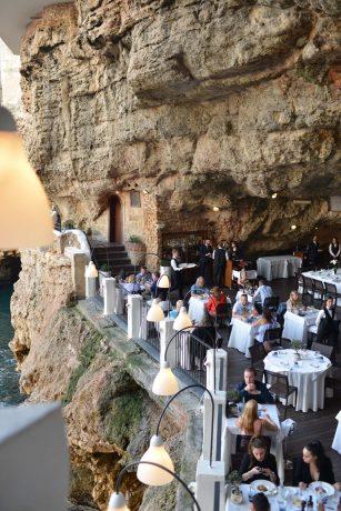 polignano-a-mare-restaurant