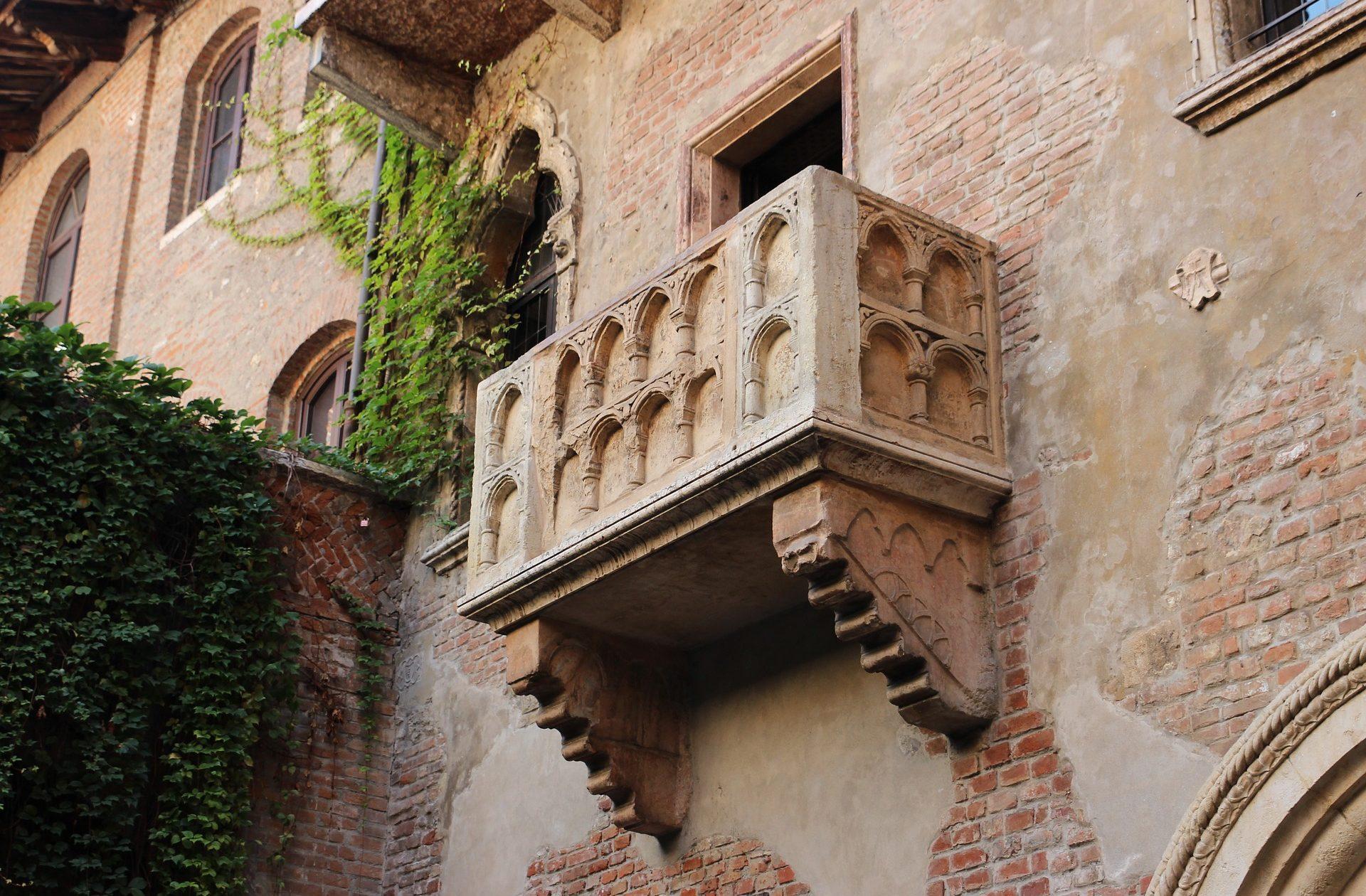 romeo-giulietta-balcony