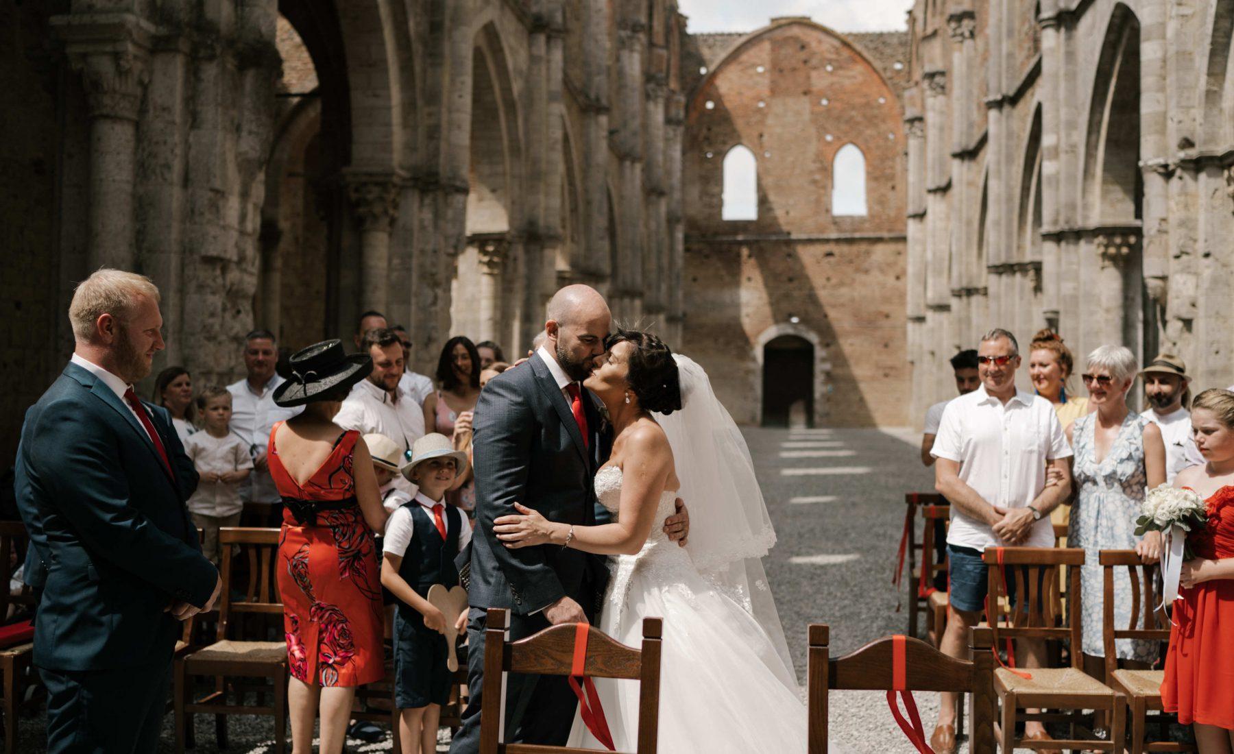 san-galgano-abbey-wedding